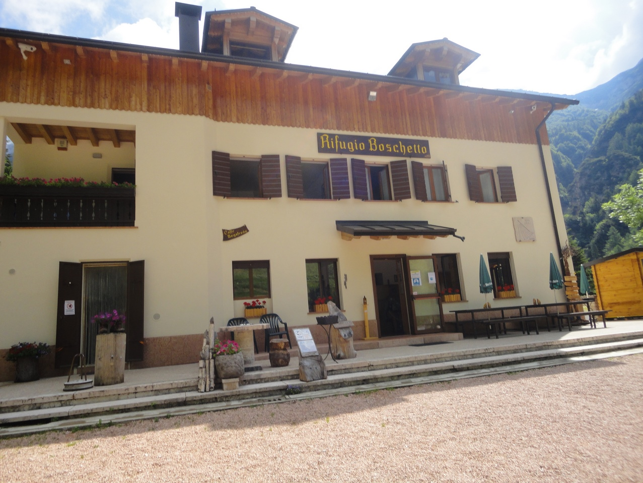 rifugio (Copia).JPG